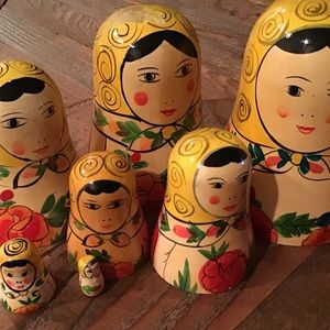 russian nesting dolls. set includes 7